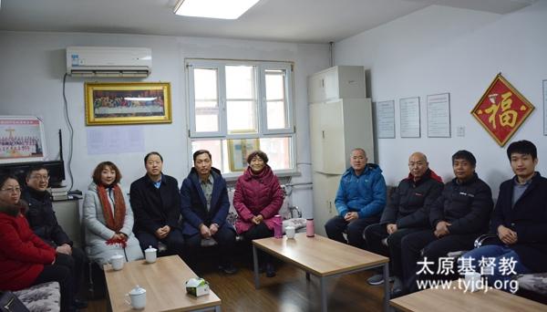 2018年春节前,市宗教局孙世文调研员等到市基督教两会看望并慰问。